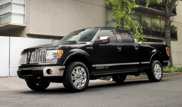 2018 lincoln mark lt side view