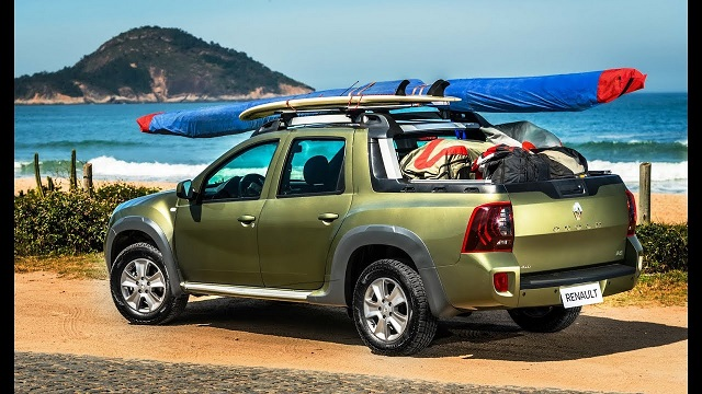 2018 Renault Duster Oroch rear view
