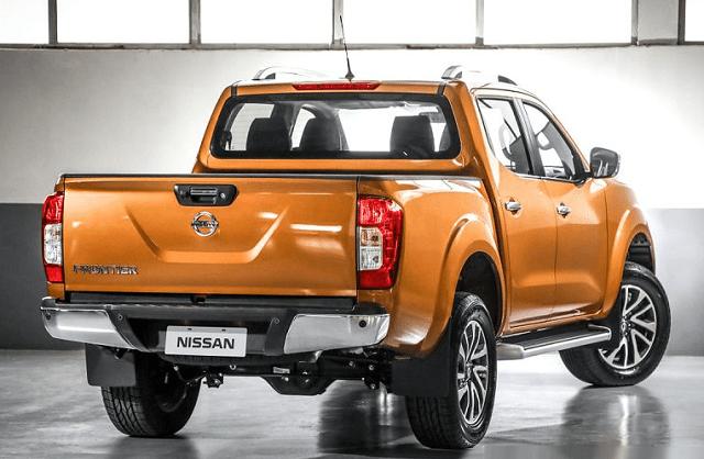 2019 nissan frontier diesel rear view