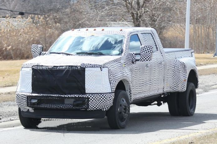 2019 Ford Super Duty Caught testing near Michigan