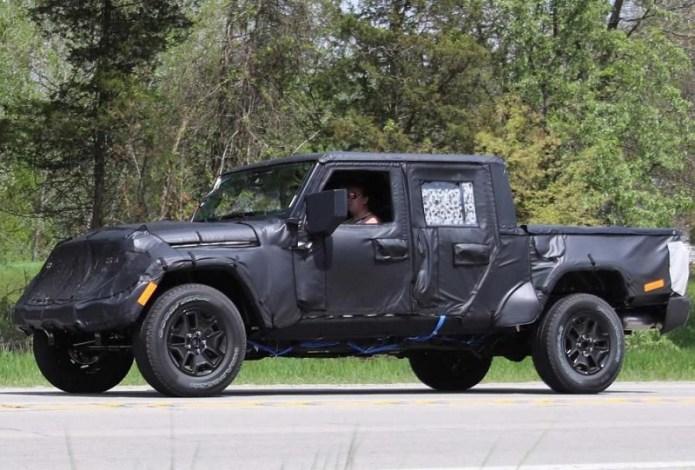 2019 Jeep Wrangler JT Pickup Truck Spy shots