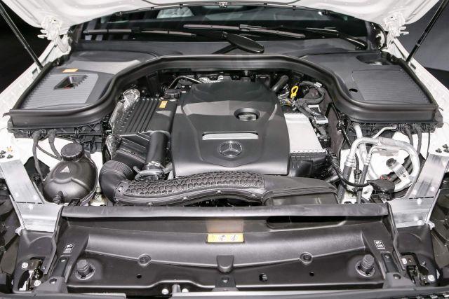 2020 Mercedes-Benz Pickup Truck engine