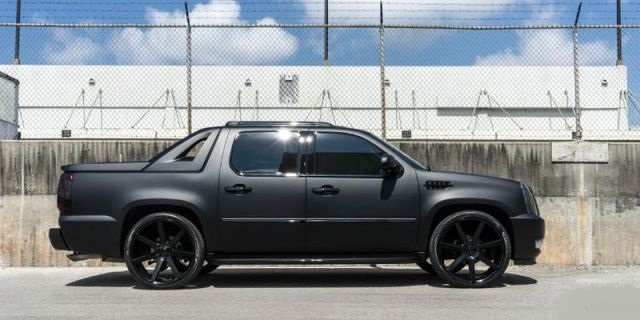2020 Cadillac Escalade EXT side
