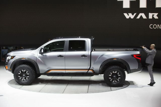 2020 Nissan Titan Warrior side