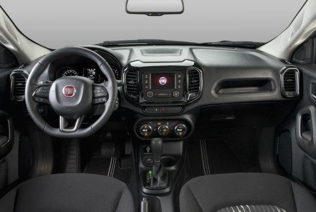 2020 Fiat Toro interior
