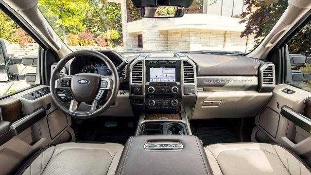 2020 Ford F-450 interior