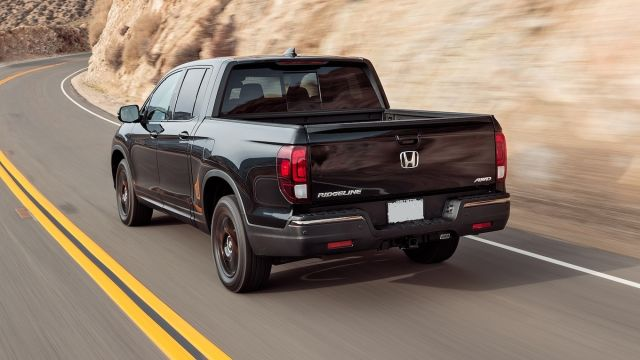2020 Honda Ridgeline Black Edition rear