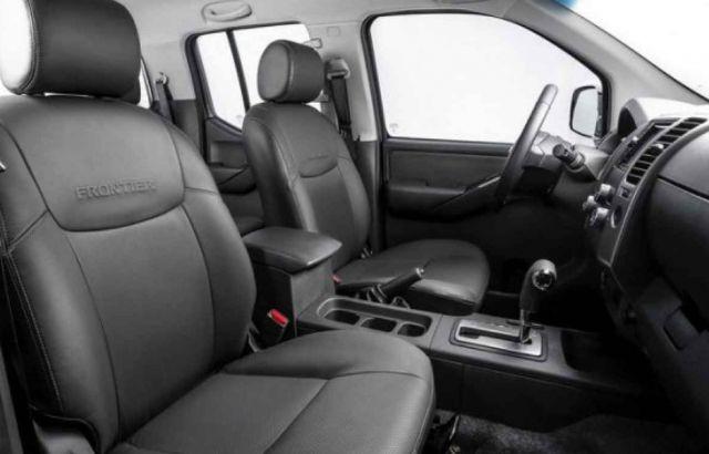 2020 Nissan Frontier Diesel interior