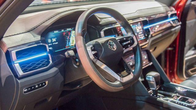 2020 Volkswagen Atlas Tanoak interior