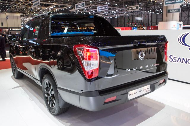 2020 Ssangyong Musso Grand rear