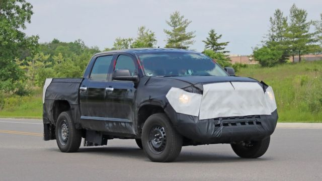 2021 Toyota Tundra front