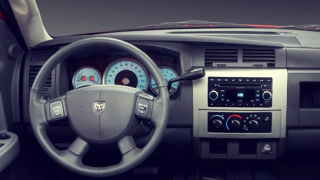 2021 Ram Dakota interior