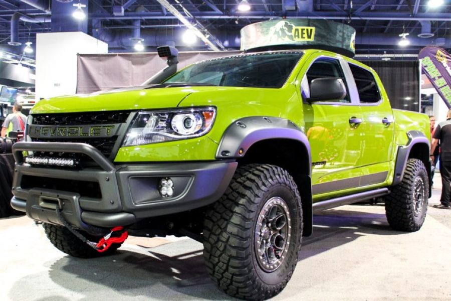 2021 Chevrolet Colorado ZR2 Bison front