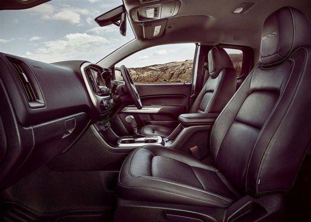 2021 Chevrolet Colorado ZR2 Bison interior
