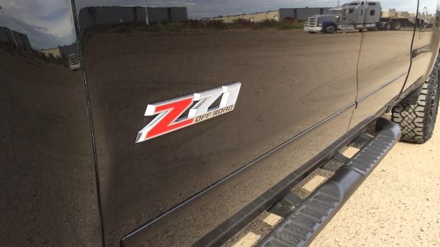 2021 Chevrolet Colorado z71 badge