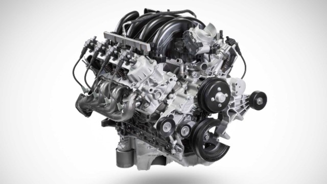 2021 Ford F-550 engine