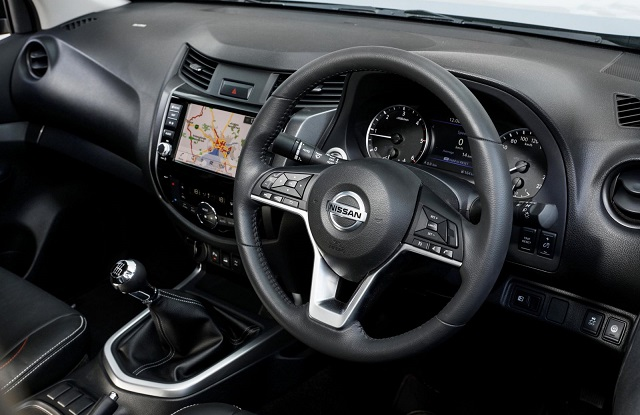 2022 Nissan Navara cabin