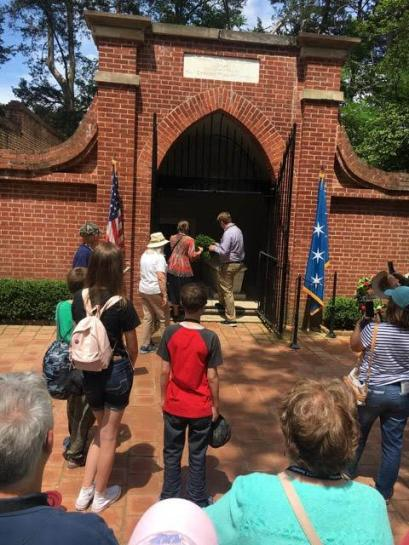 Wreath laying at George Washington Grave