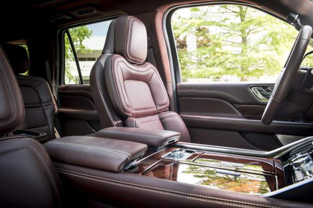 2019 Lincoln Navigator interior | 2019 - 2020 SUVs2019 ...
