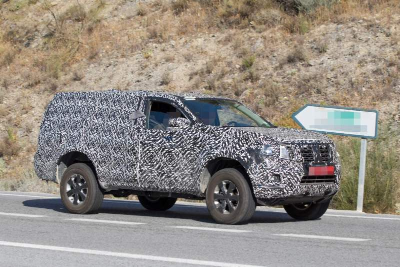 Next-gen 2019 Nissan Pathfinder Spied with Increased Ground Clearance