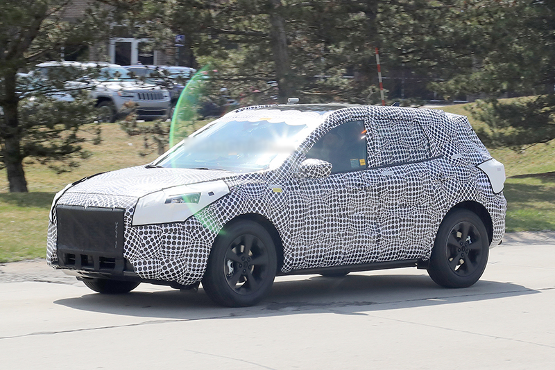2020-Ford-Escape-spied.jpg