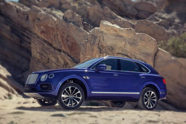 2019 Bentley Bentayga Sport Coupe side