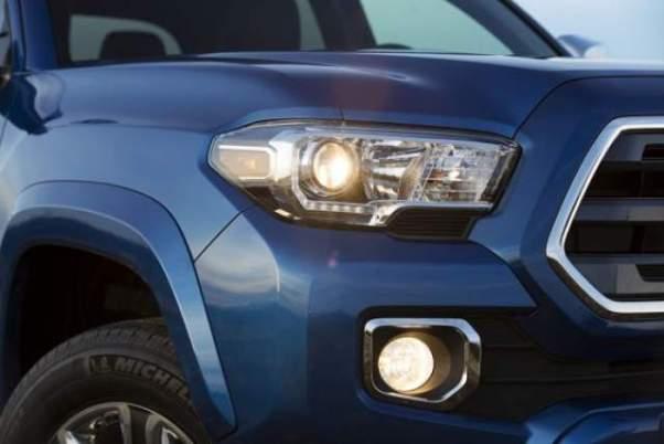 2018 Toyota Tacoma Diesel headlights