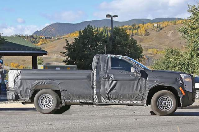 2019 Chevrolet Silverado 1500 Diesel spy shot