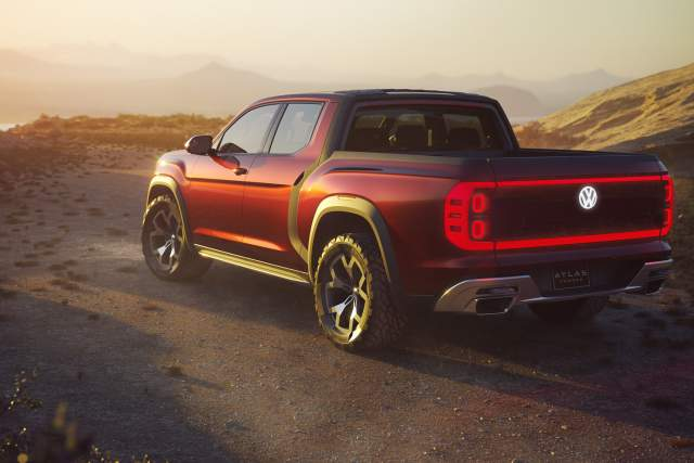 VW Atlas Tanoak pickup truck concept rear