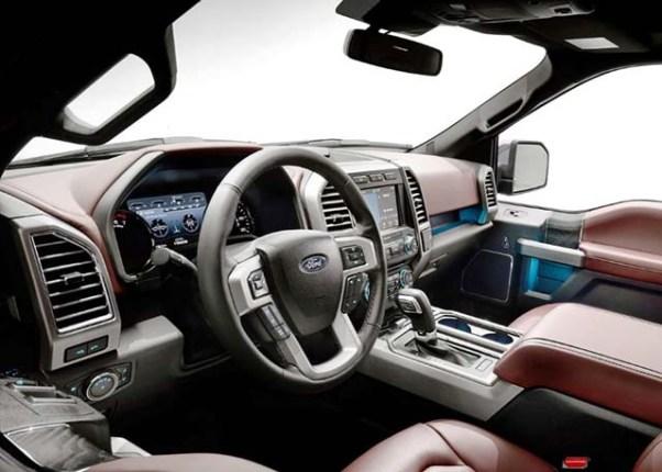 2019 Ford F-450 interior