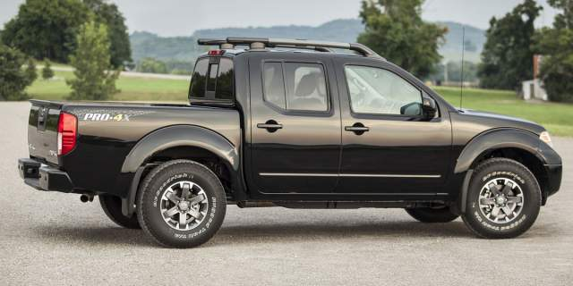 2019 Nissan Frontier Pro-4X side