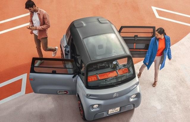 仏シトロエンが14歳から免許不要で乗れるプラスチック製EV自動車を発売してしまう