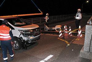 【画像有】橋の途中に20cmの段差が。DQNミニバンのフロント大破