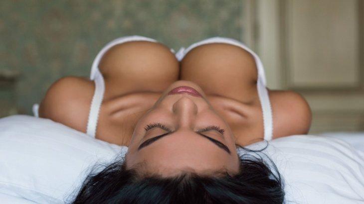 ファイザーワクチン接種した女性たち、巨乳になる重篤な副反応が相次ぐ  [422186189]