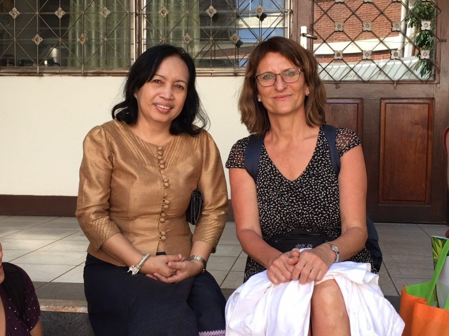 Vice-Director Viengkham Phonpraseuth, Prof. Dr. Isabel Martin