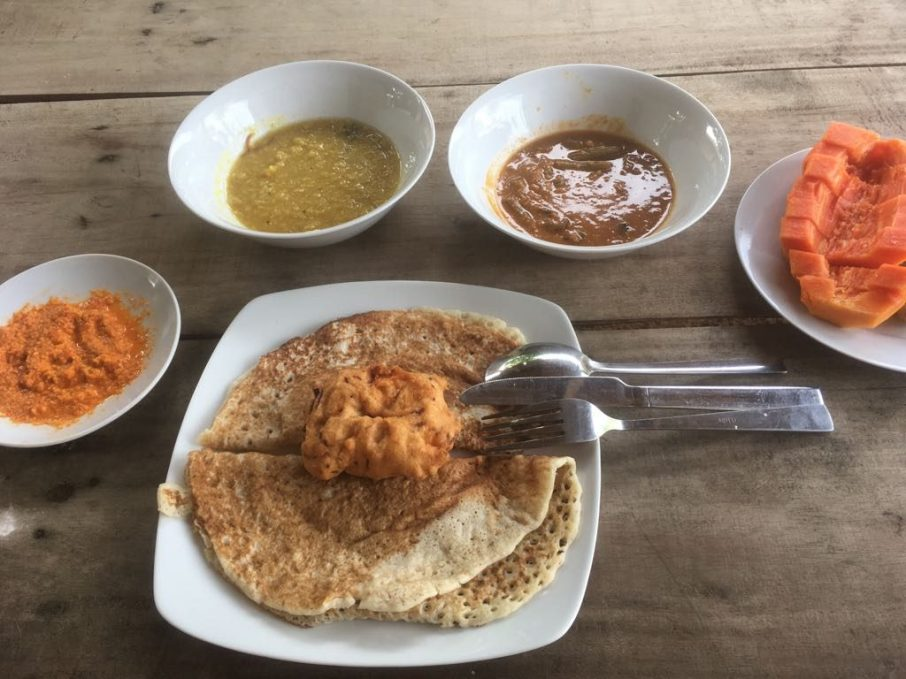 Plain dosai with different curries
