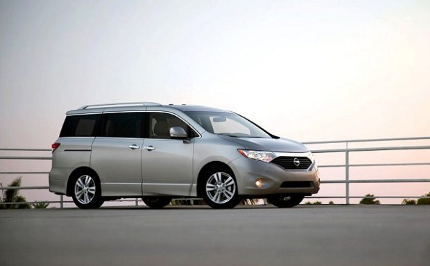 2019 Nissan Quest side view