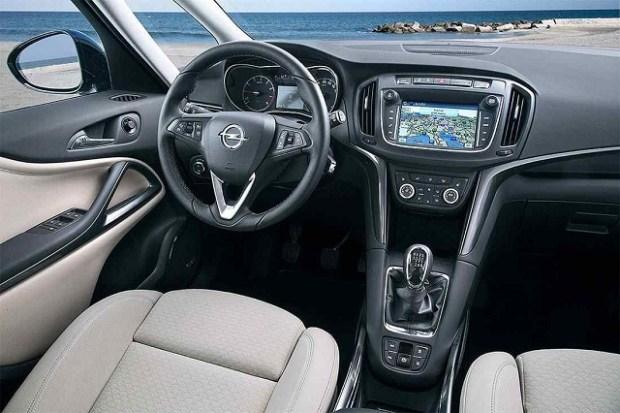 2019 Opel Zafira interior