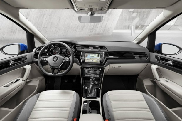 2020 VW Touran interior