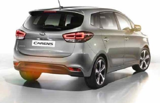 2019 Kia Carens rear view