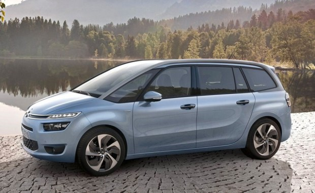 2020 Citroen C4 Grand Picasso front view