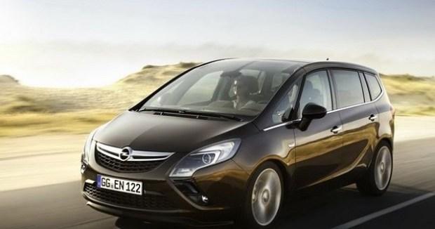 2020 Opel Zafira front view