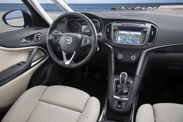 2020 Opel Zafira interior
