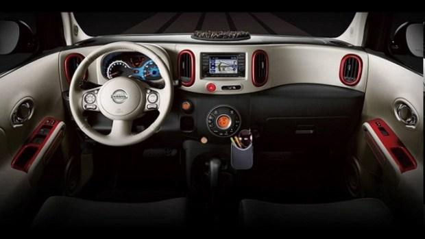 2019 Nissan Cube interior