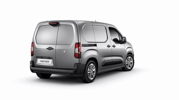 2019 Peugeot Partner rear view