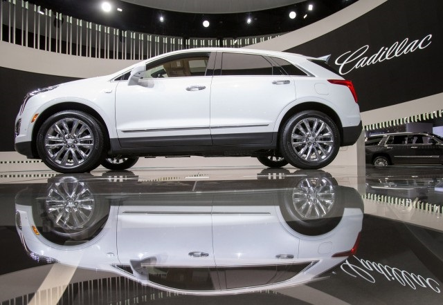 Cadillac XT3 Crossover Prototype side view