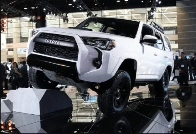 2020 Toyota 4runner front view