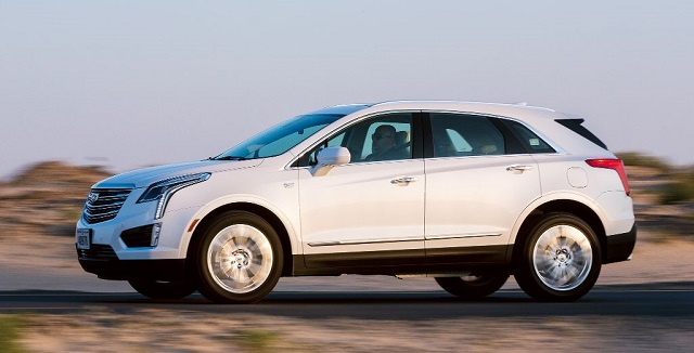 2020 Cadillac XT5 side view