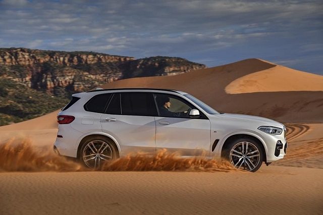 2020 BMW X5 side view