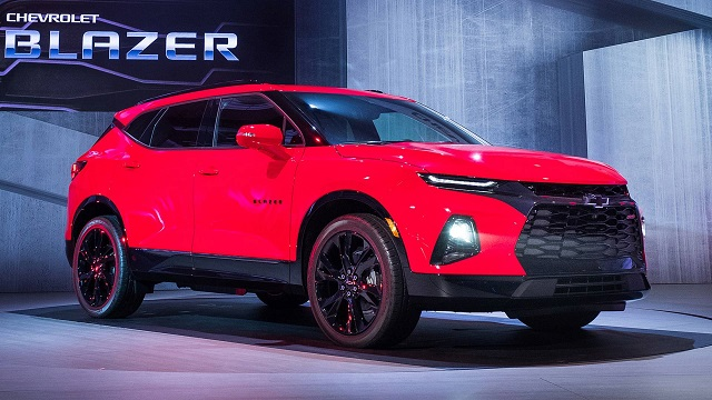 2020 chevy blazer front view